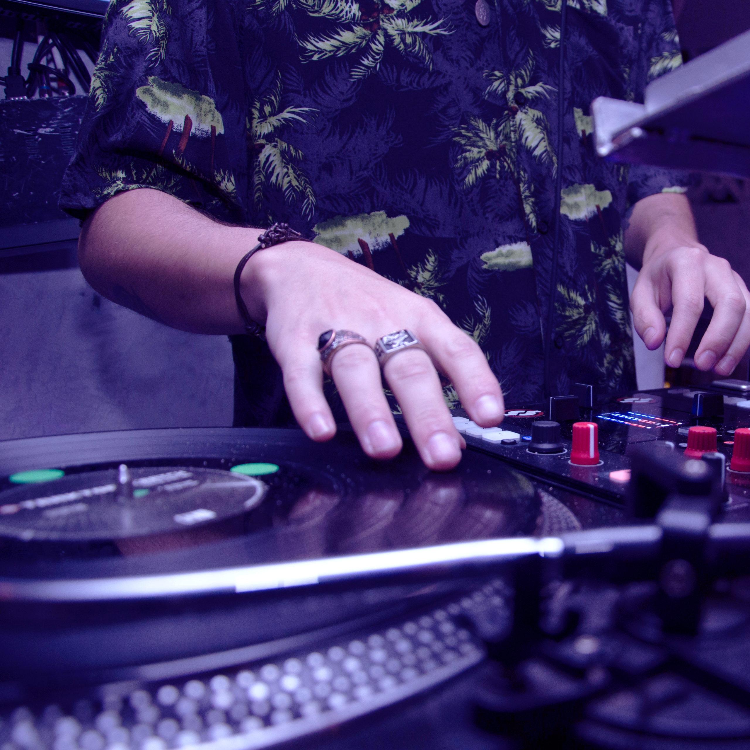 Scratch par un DJ à partir de 30€
